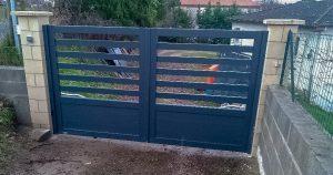 Portail Aluminium à 2 vantaux installé à Arthès dans le Tarn