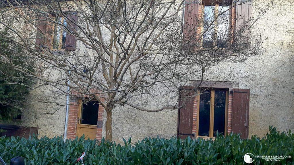 Artisan Rénovation de villa ancienne menuiseries bois