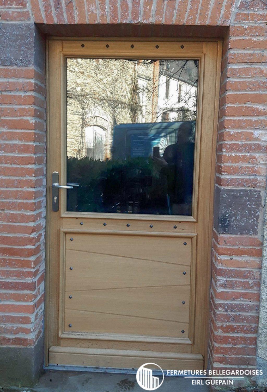 Porte en bois sur mesure a Bellegarde 81430